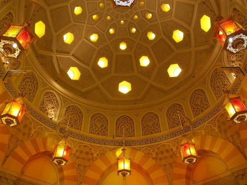 History of Steam Turkish Bath, interior 07 dome (500x375)
