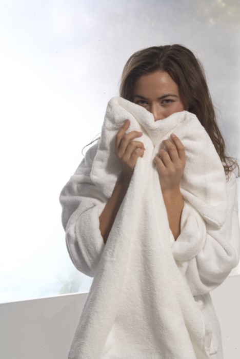 Gently Heat your Towel or Bathrobe with a Towel Warmer