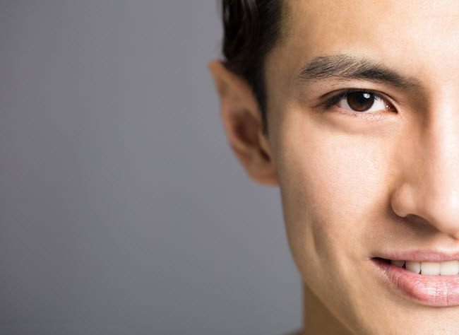 Benefits of steam for men: supple skin!