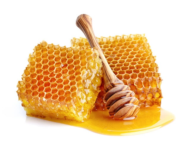 SteamTherapy Tips for relieving springtime allergies: raw local honey and bee pollen