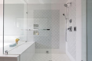 EMI Interiors Vista Street Master Bathroom007