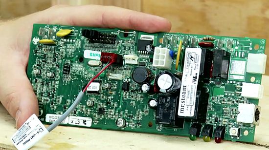 Plug the MSTS sensor cable into the Molex EXT Temp. slot