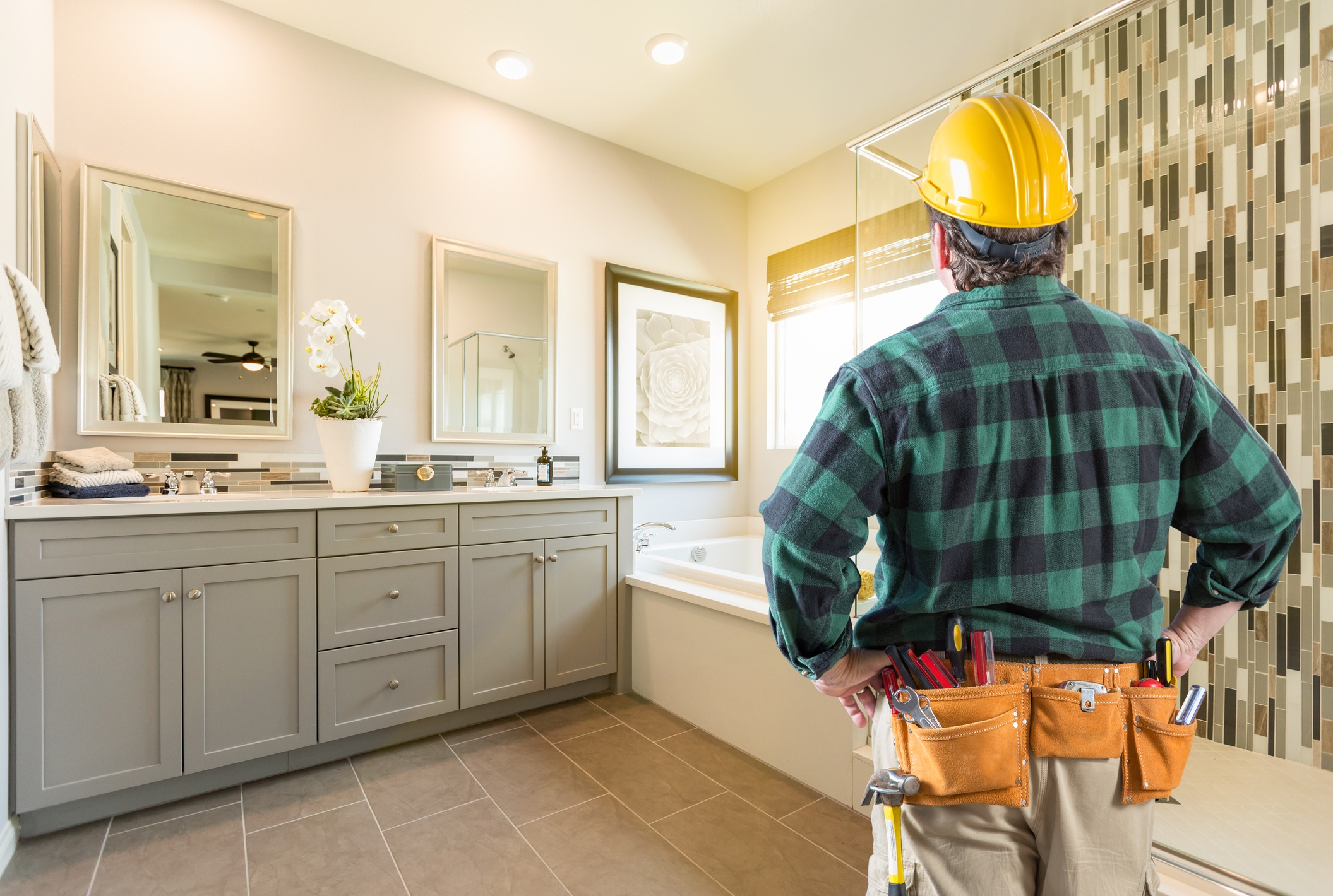 Top Contractor Red Flags to Look Out for When Remodeling Your Bathroom